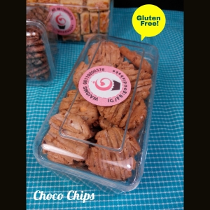 Chocolate Chips Cookies with Cashew Nuts